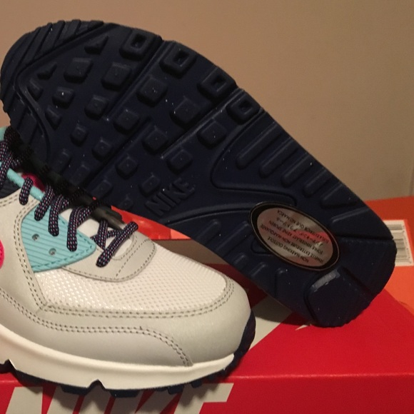 Nike Air Max 90 Mesh (GS) size 5.5Y-7Y e27c7dc38ee8c